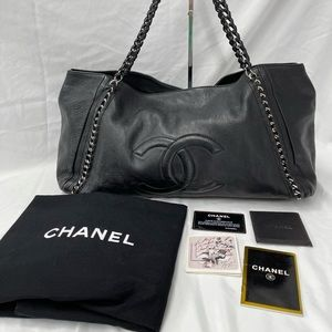 Chanel Black Caviar GST Large Handbag Tote